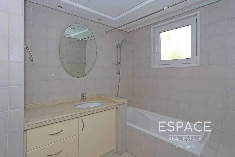 13 Backs Park | Cul de sac | Near to Pool