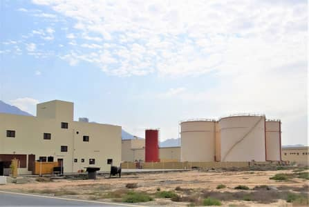 Factory for Sale in Aljazeera Al Hamra, Ras Al Khaimah - OIL STORAGE Tanks + Lubricants Factory - Freezone Port - RAK