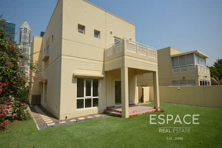 3 Bedroom Villa for Rent in The Meadows, Dubai - Immaculate Condition | Remote Control Gates