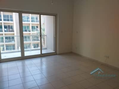 Studio for Rent in The Greens, Dubai - Well Maintained Studio Apt In Al Ghozlan