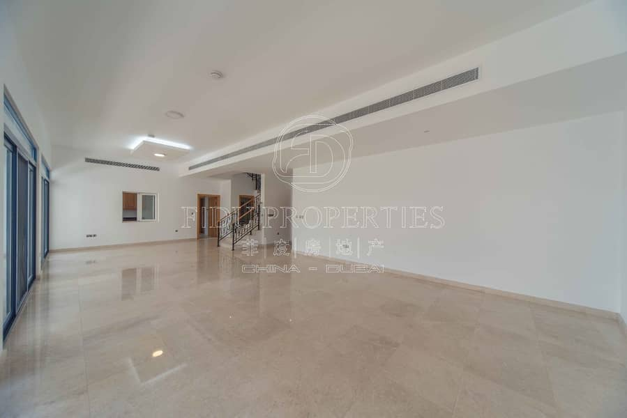 Best Priced 4 bed | Semi detached Villa | Vacant