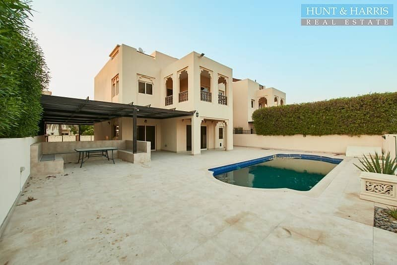 Upgraded 4 Bedroom Duplex with Swimming Pool
