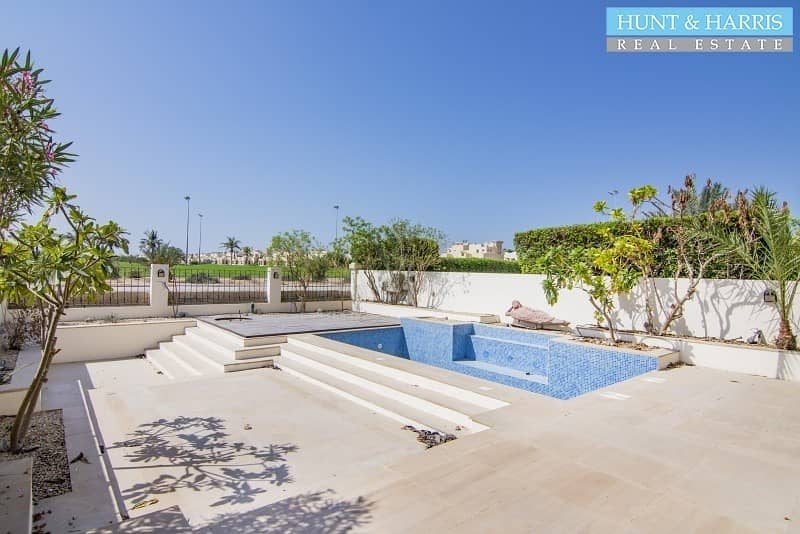Upgraded Townhouse in Al Hamra - Price Reduced