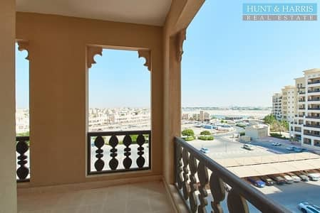 3 Bedroom Apartment for Rent in Al Hamra Village, Ras Al Khaimah - Partial Marina Views Spacious Apartment with a Large Terrace