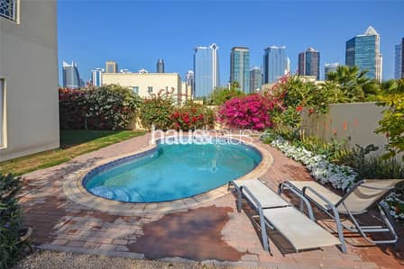 4 Bedroom Villa for Rent in The Meadows, Dubai - Meadows 1 T4 | Immaculate property | Call Isabella