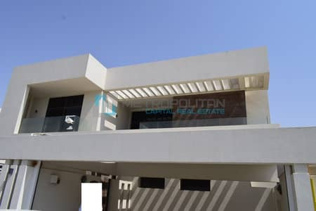 5 Bedroom Villa for Rent in Yas Island, Abu Dhabi - Beautiful 5BR with Maid's Room & Garden