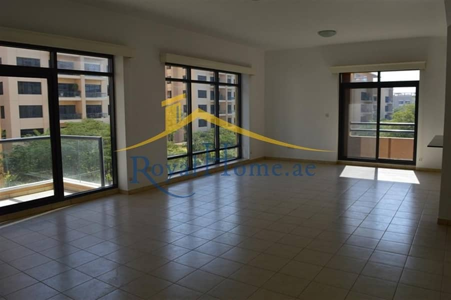 2 Freshly Renovated | 4 Bed room + Maid room