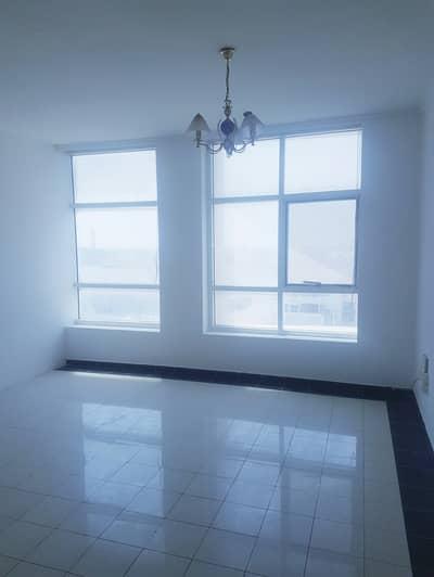 شقة 2 غرفة نوم للايجار في شارع الملك فيصل، أم القيوين - بدون عمولة . . . . . . شقة مناسبة للايجار ضمن مبنى عائلي في ام القيوين .