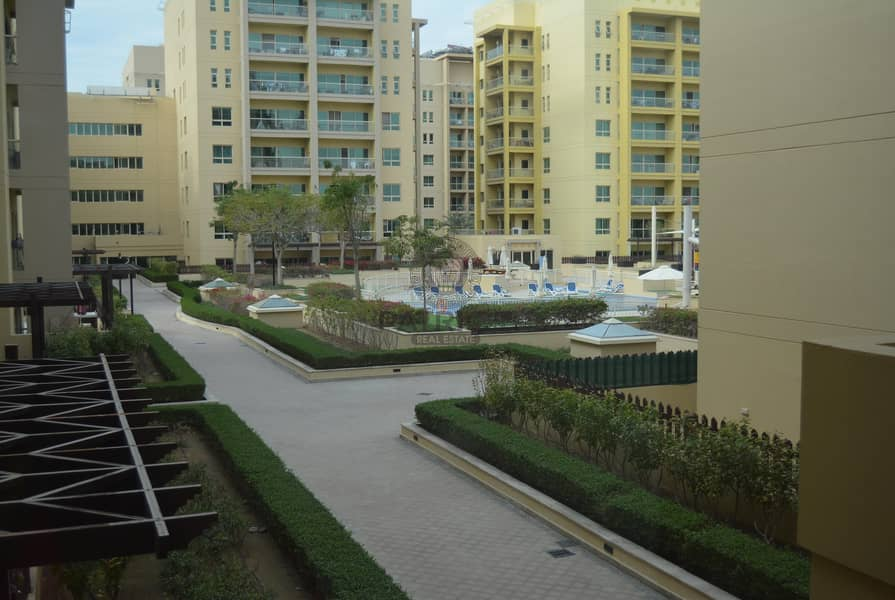 Well maintained like new 1BHK for sale in the greens