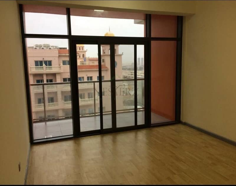 Beautiful 2BR apartment for Sale @ AED 700K