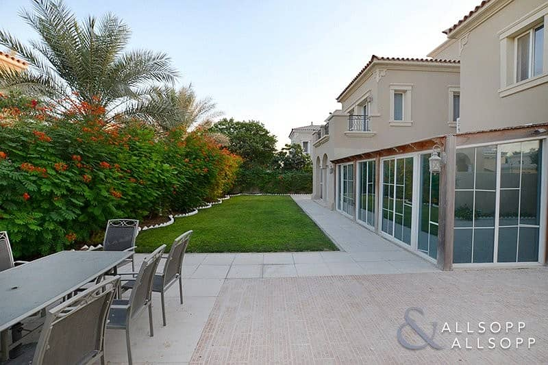 2 EXCLUSIVE | Extended | 4 Beds | Near Pool