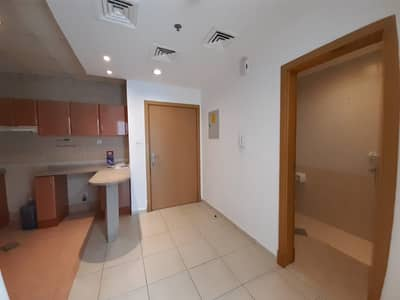 1 Bedroom Flat for Sale in Dubai Silicon Oasis, Dubai - Distress Deal | 1 Brr Apartment With Balcony | Near To Souq Extra |