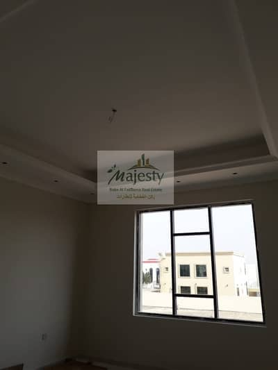 5 Bedroom Villa for Sale in Al Azra, Sharjah - 5 Bed Villa For Sale