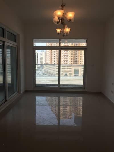 شقة في النهدة 2 النهدة3 غرف 80000 درهم - 4181492