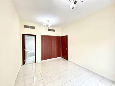 فلیٹ 1 غرفة نوم للايجار في المدينة العالمية، دبي - شقة في الحي البريطاني المدينة العالمية 1 غرف 32000 درهم - 4502665