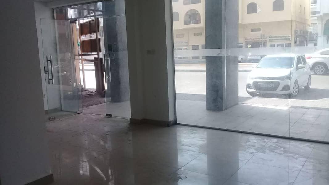 Good location shop In Al muroor