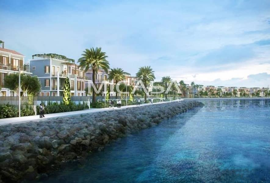 2 Miraculous Waterfront living. || Full of Natural Light. || Spacious Townhouse.