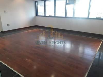 مکتب  للايجار في شارع الشيخ خليفة بن زايد، أبوظبي - Big and nice Office 5 br in mezzanine in Khalifa.st