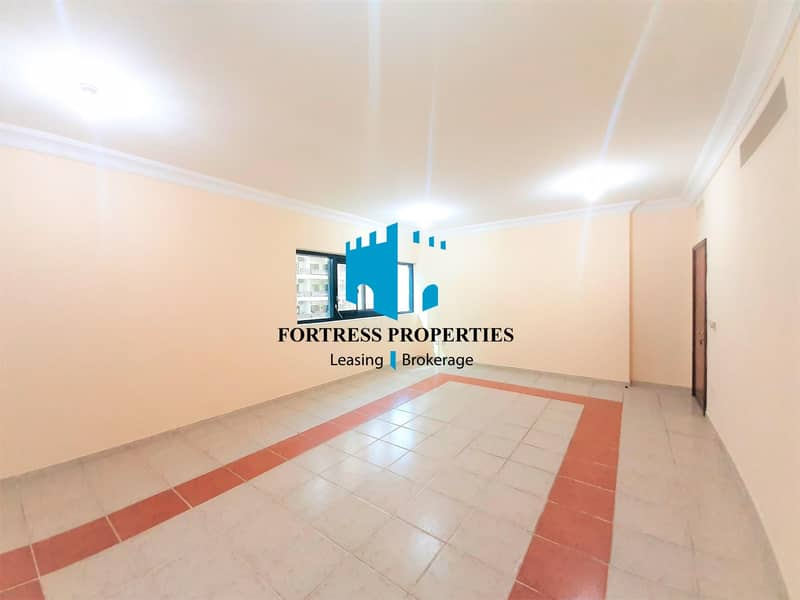 2 Neat As A Pin In An Ultra-Convenient Location | 3BHK w/ MAIDSROOM !!!