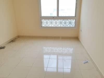فلیٹ 1 غرفة نوم للايجار في مويلح، الشارقة - شقة في مبنى مويلح مويلح 1 غرف 26000 درهم - 4502987