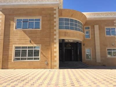 5 Bedroom Villa for Sale in Al Goaz, Sharjah - Clean new large villa in Al Quoz