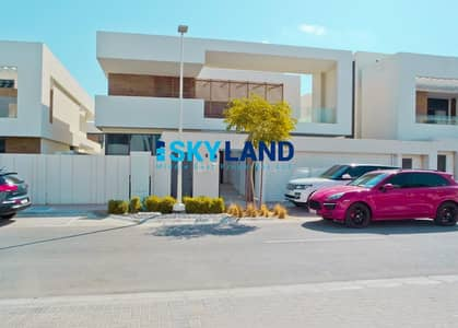 5 Bedroom Villa for Rent in Yas Island, Abu Dhabi - Affordable Rent ! 5Br+Driver Room and Massive Garden