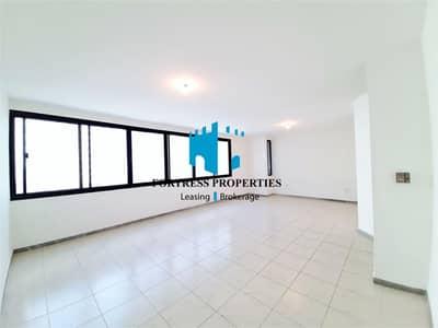 شقة 3 غرف نوم للايجار في منطقة النادي السياحي، أبوظبي - Acreage Living At Its Absolute Finest | 3BHK with MAIDSROOM & BALCONY !!