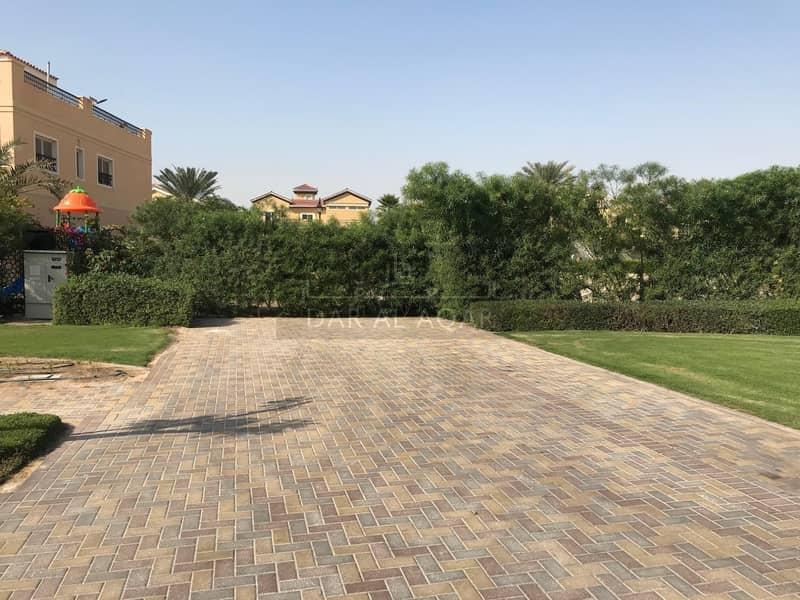 Beautiful Corner Plot to Build your Dream House in Hacienda