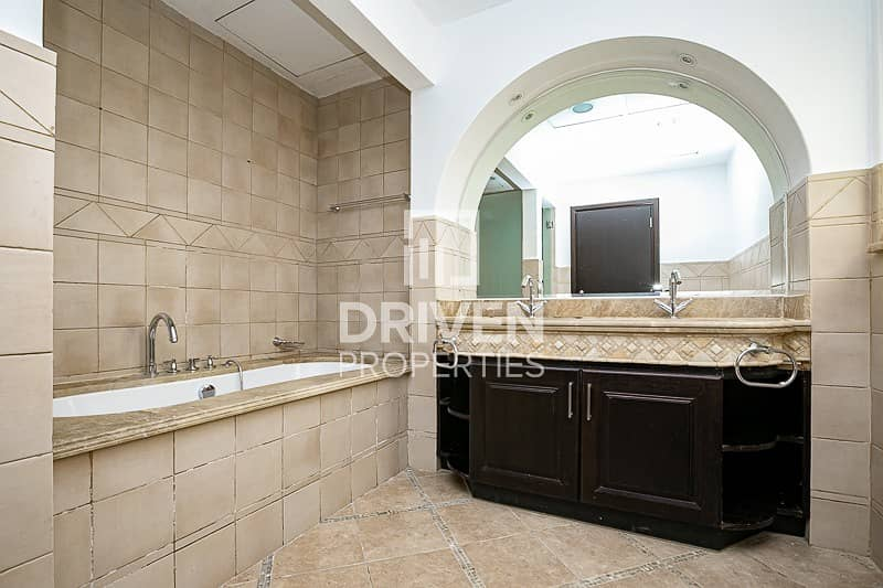 19 Type E3 and Vacant Villa plus Study Room