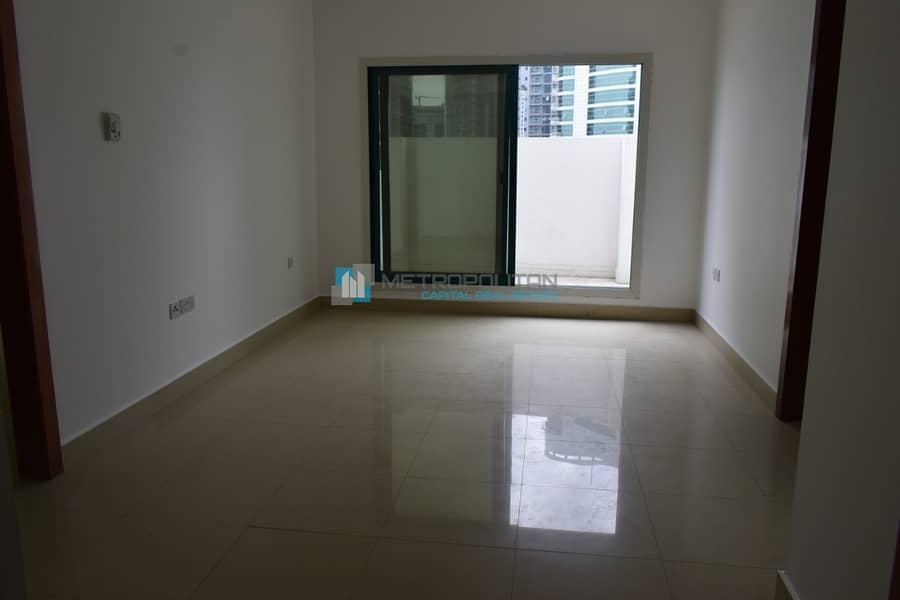 2BR Penthouse w/ Huge Balcony l 3 Cheques