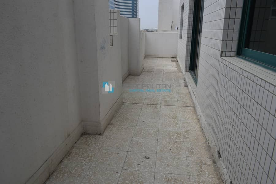 10 2BR Penthouse w/ Huge Balcony l 3 Cheques