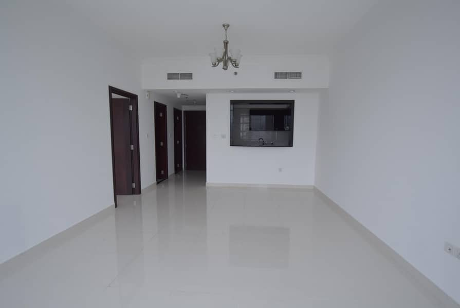 12 Great Deal! 1 BR + Laundry! Burj View