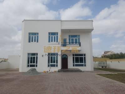 فیلا 5 غرف نوم للايجار في الورقاء، دبي - Huge 5BHK + Maids Villa With a Large Plot Size