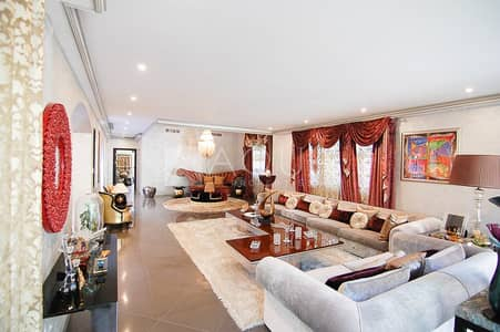 فیلا 6 غرف نوم للايجار في ذا فيلا، دبي - Upgraded Valencia Villa with Nice Pool/Garden