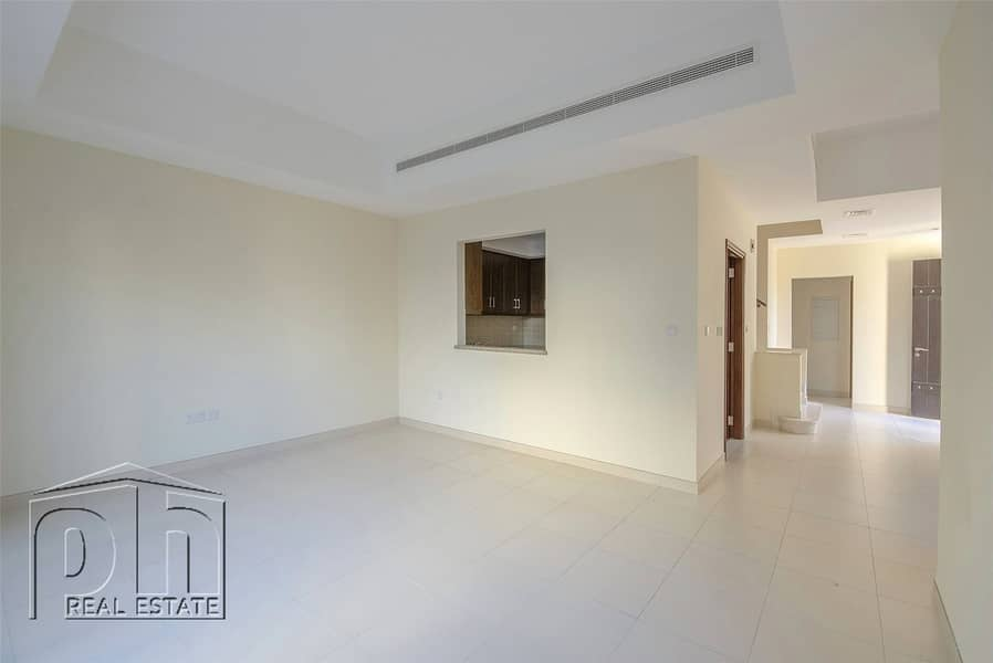 2 End Unit - Great Location - Available Now