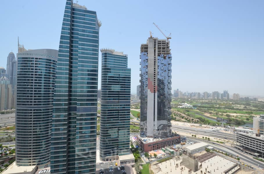 19 Stunning 2 BR Apartment With Balcony and Great View