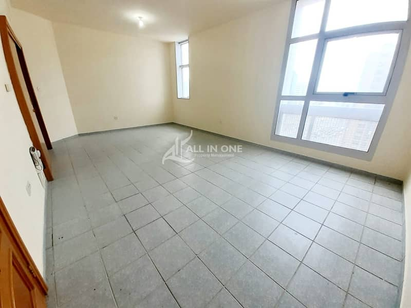 2 Bright and Spacious 3  BR in 4 pays!