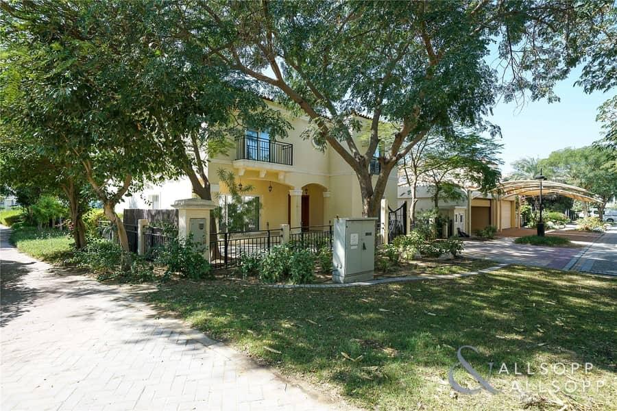 2 500 Sq. Ft. PLOT | 5 Bed Family Villa