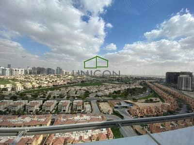 استوديو  للايجار في مدينة دبي الرياضية، دبي - Chiller free | Large Studio |Balcony | Cricket Tower