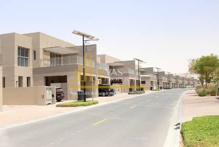 فیلا 4 غرف نوم للايجار في واحة دبي للسيليكون، دبي - فیلا في فلل السدر واحة دبي للسيليكون 4 غرف 138000 درهم - 4390811