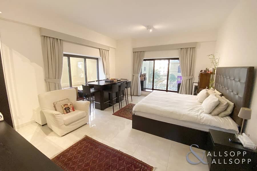 2 Shams 1   Large Upgraded 3 Bedroom   Vacant