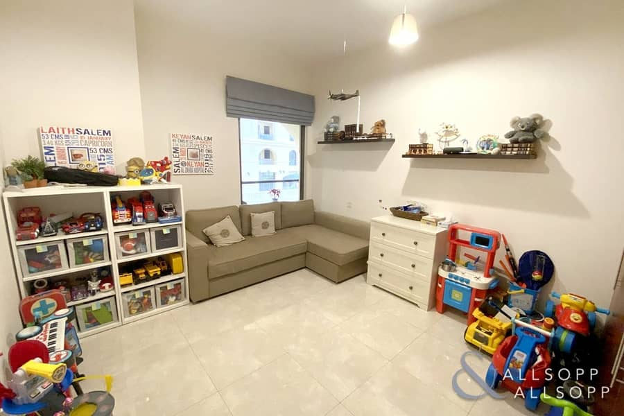 10 Shams 1 | Large Upgraded 3 Bedroom | Vacant