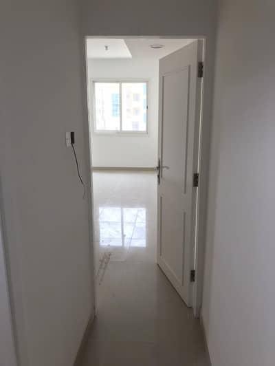 استوديو  للايجار في مصفح، أبوظبي - شقة في شعبية مصفح 32500 درهم - 4504965