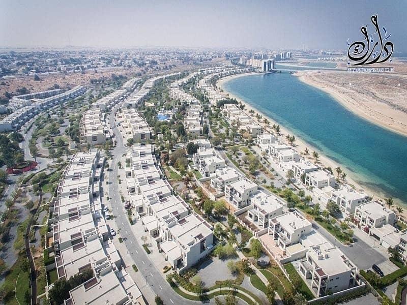 2 Luxury Beach-Front Villa| 10  years Post Handover PP | 10  years  Service fees