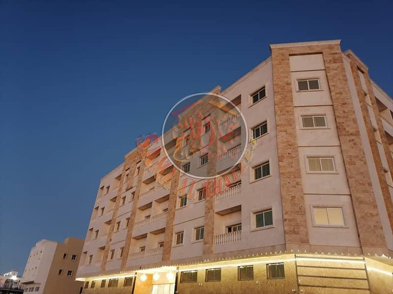 بناية جديدة  أرضي + 4 طوابق للبيع في عجمان