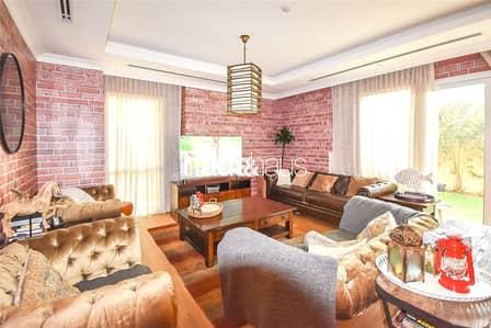 فیلا 3 غرف نوم للبيع في البرشاء، دبي - Exclusive 3S2 | Fully Furnished | Two Family Rooms