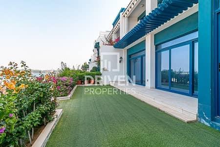 Bright Villa | Chiller Free | Beach Access