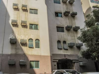 1 Bedroom Apartment for Rent in Rolla Area, Sharjah - 1 B/R HALL FLAT IN UM ALTARAFA AREA BEHIND SHJ CENTRAL POST OFFICE