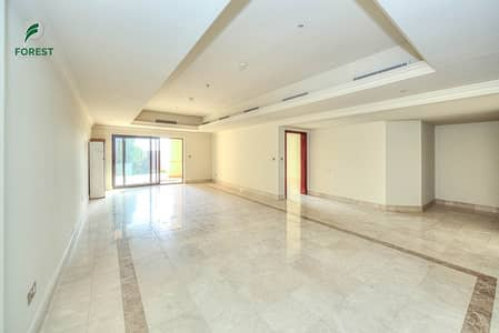 3 Bedroom Townhouse for Rent in Palm Jumeirah, Dubai - Rare Townhouse with Full Sea View Vacant 3 Bedroom