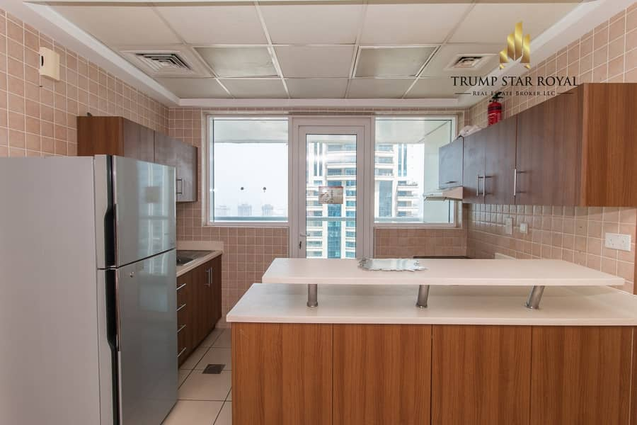 21 Large 2Br Apartment in Sulafa Tower
